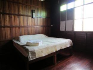 Superior Wooden room with Fan