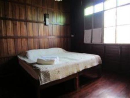Superior Wooden room with Fan At Home Sukhothai