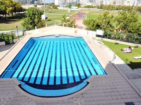 Swimming pool [outdoor] Dubai Youth Hotel