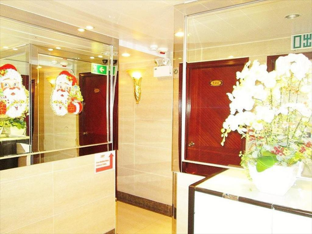 Interior view Marco Polo Hostel - Carlton Group of Hostels