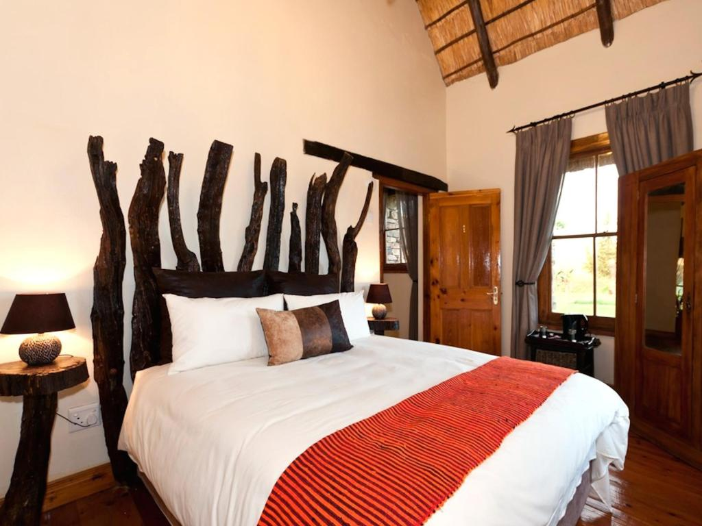 Zebra Lodge - Family Room - Bed Addo Bush Palace Private Reserve