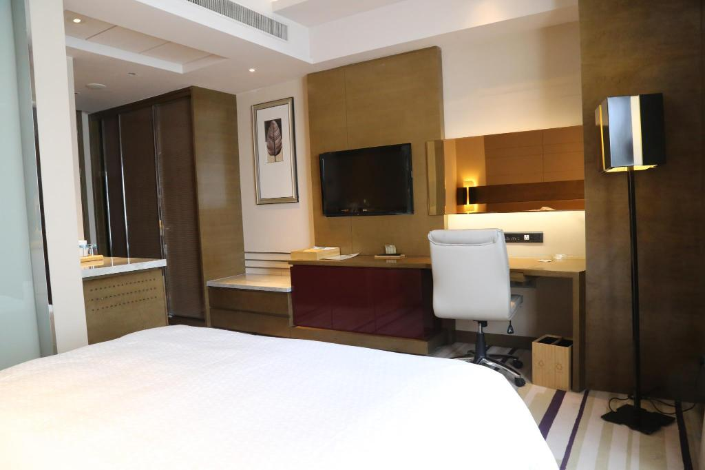 Standard Room - View Four Points by Sheraton Yangzhou Hanjiang Hotel