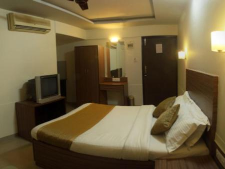 Deluxe Room With Breakfast & Airport Transfers Ace Residency Hotel- Mumbai