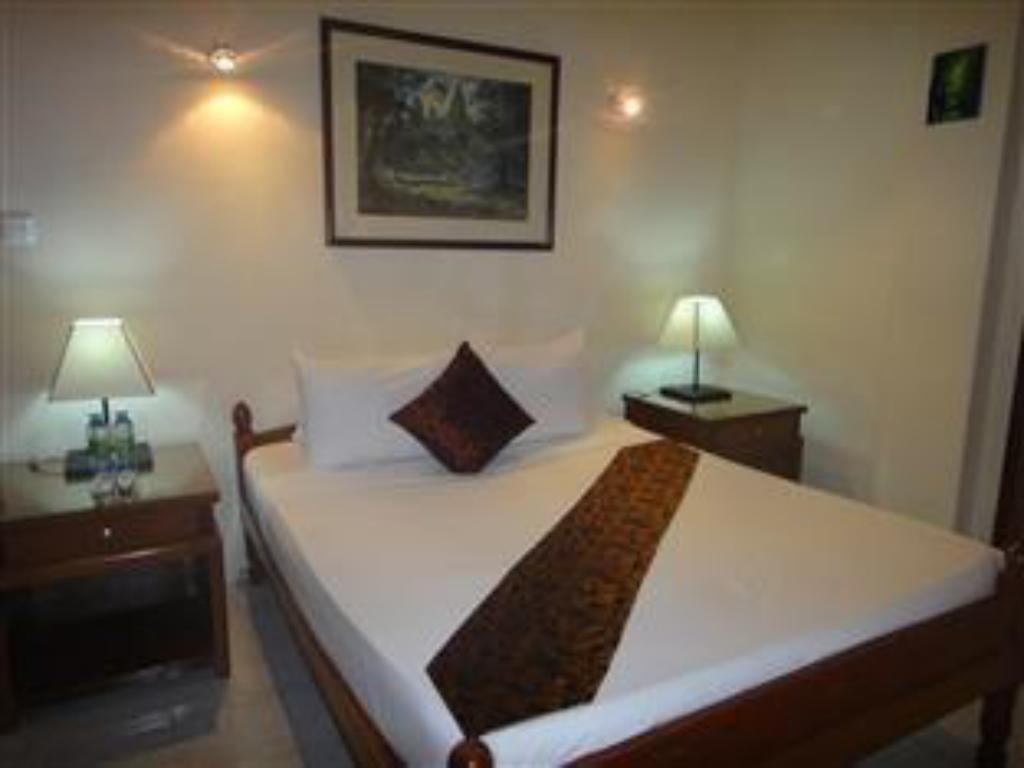 Standard Double Bed - Bed Bokor Mountain Lodge