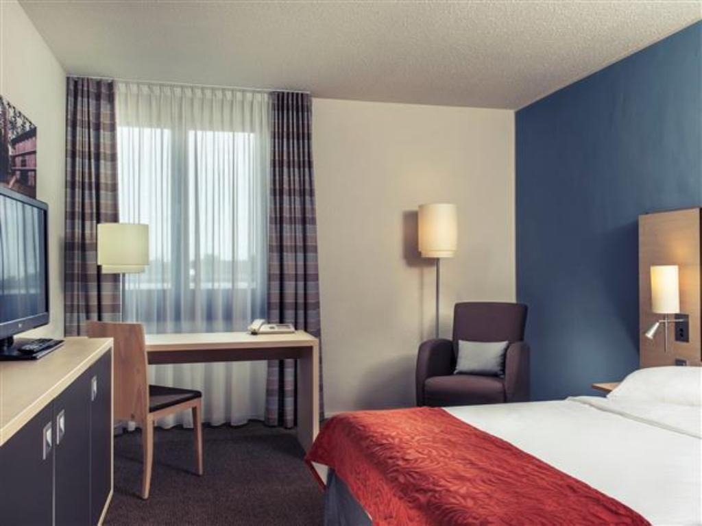 Superior Room Double Bed - Guestroom Mercure Hotel Bonn Hardtberg