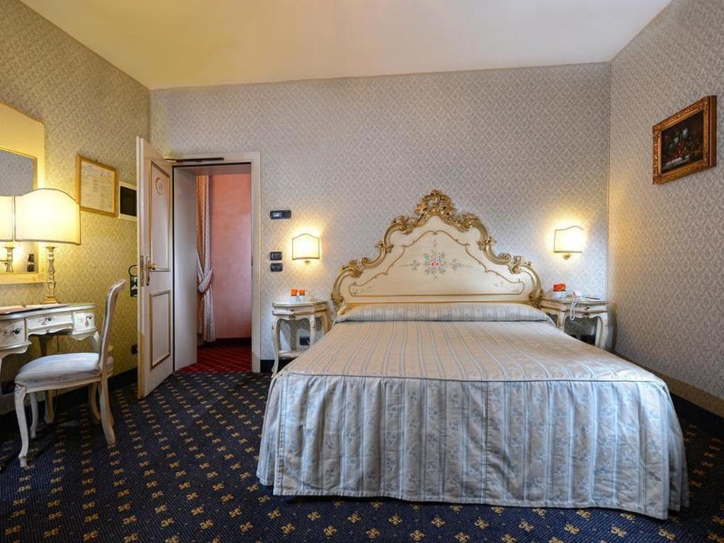 Ca Rialto House in Venice - Room Deals 2fc09e4bb59d