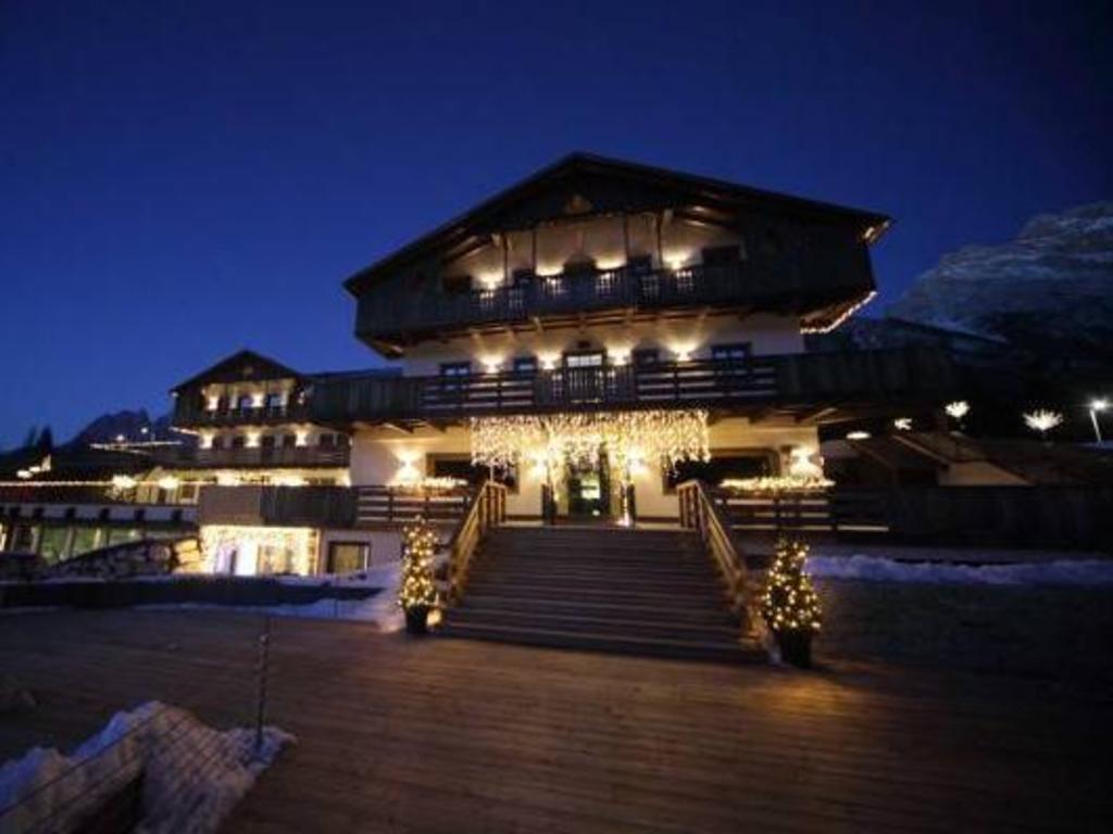 Corte Delle Dolomiti Spa rosapetra spa resort, cortina d'ampezzo | da 200 € | offerte