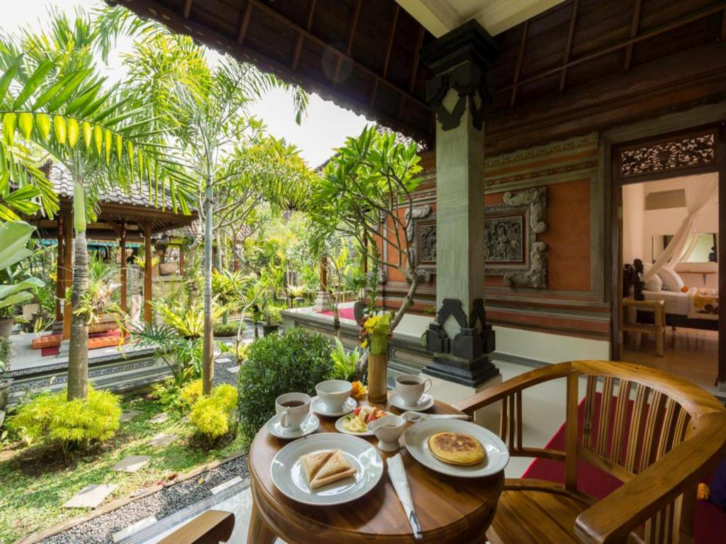 Asik Bali House Ubud Guesthouse Bed And Breakfast Deals Photos Reviews