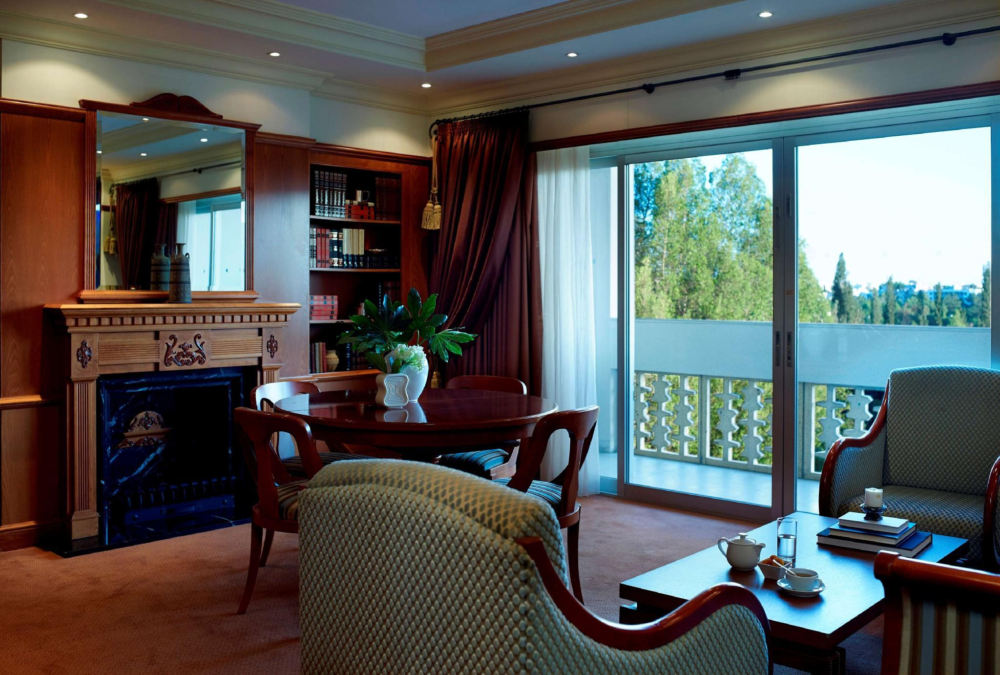 King Troodos Suite