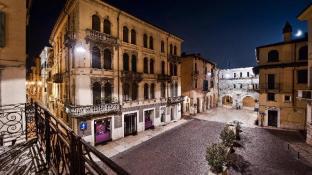 Citta Antica Map And Hotels In Citta Antica Area Verona