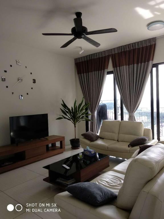 Female dormitory long rent shared room@only female, Kuala
