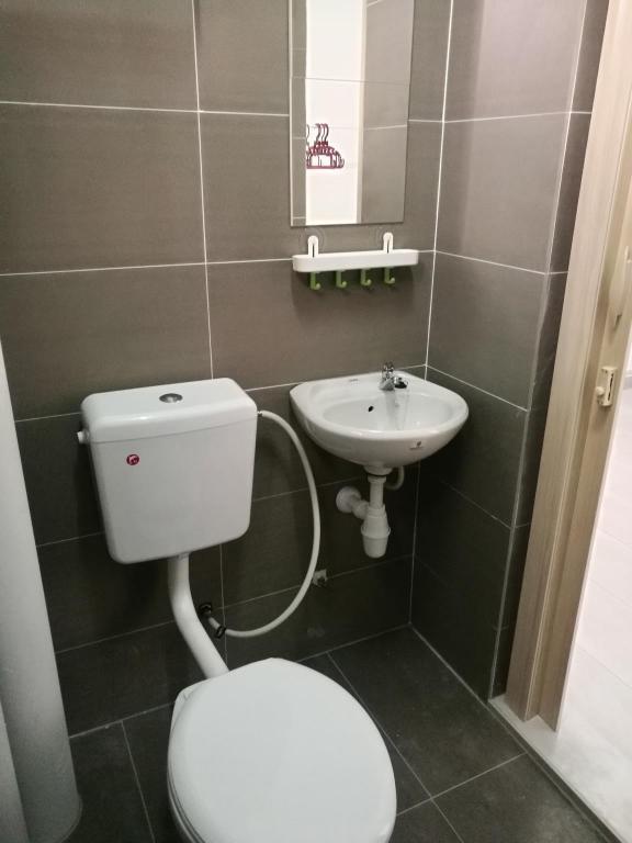 Bathroom Lagoon Perdana Home By Ysf
