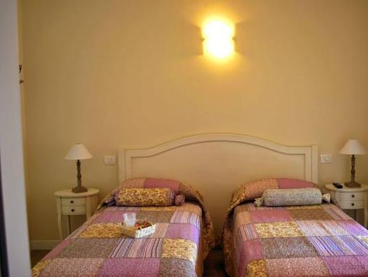Habitació Doble o 2 llits amb bany privat (Double or Twin Room with Private Bathroom)
