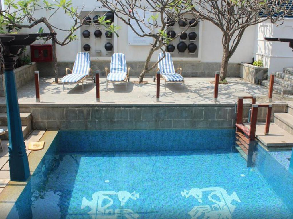 The promenade hotel pondicherry in india room deals photos reviews for Hotels with swimming pool in pondicherry