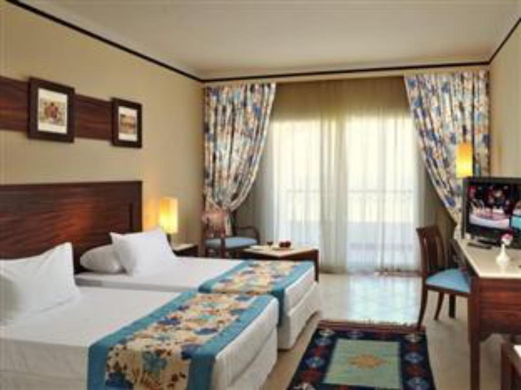 Superior Double or Twin Room Garden View - Guestroom Concorde Moreen Beach Resort & Spa