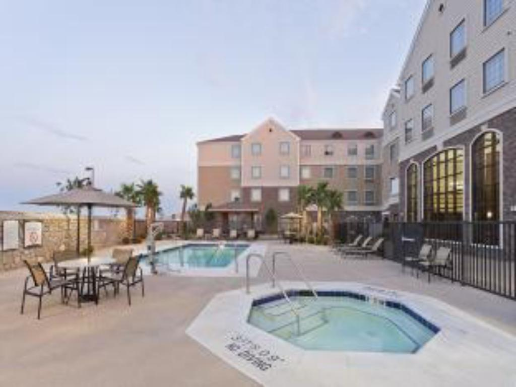 Bazén Staybridge Suites El Paso Airport Area