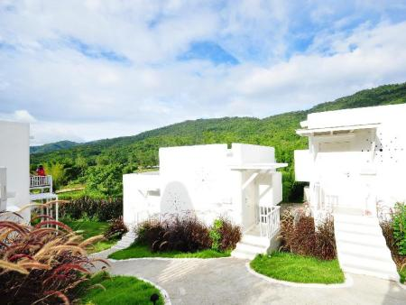 Exterior view Aristo Chic Resort and Farm