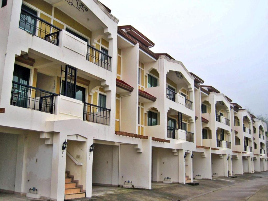 Best price on baguio vacation apartments in baguio reviews for Apartment exterior design philippines