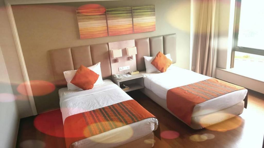 Guestroom Kingwood Hotel Kuching