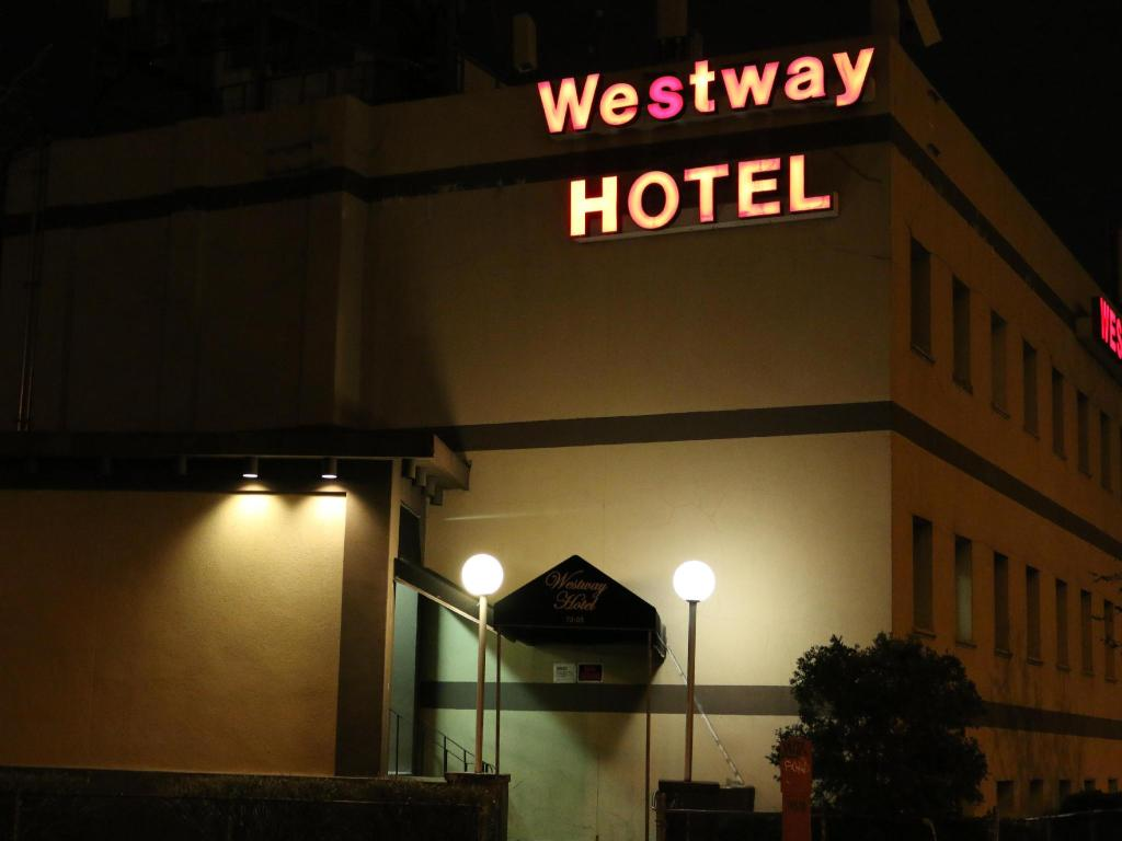 More about Westway Hotel Laguardia Airport