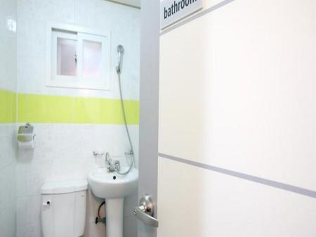 Bathroom K Pop Guesthouse Seoul Station