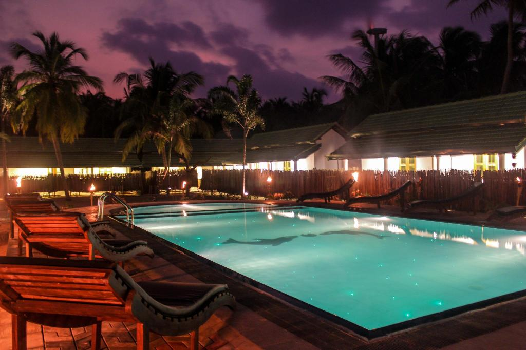 Ocean Wind Beach Resort Калпитья