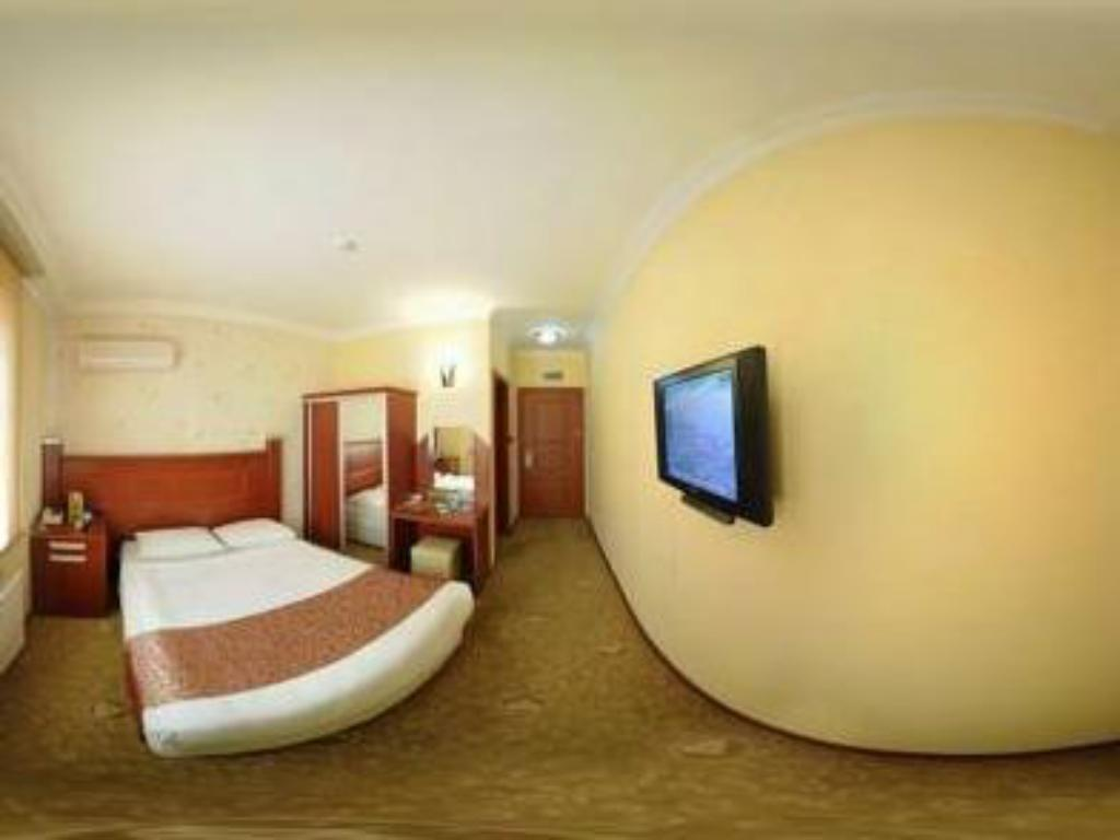 Standard Double or Twin Room Diamond Hotel