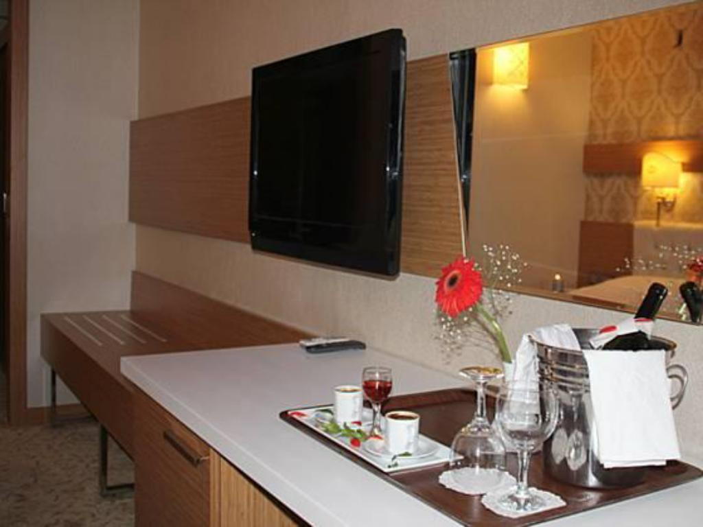Standard Double or Twin Room Royal Mersin Hotel