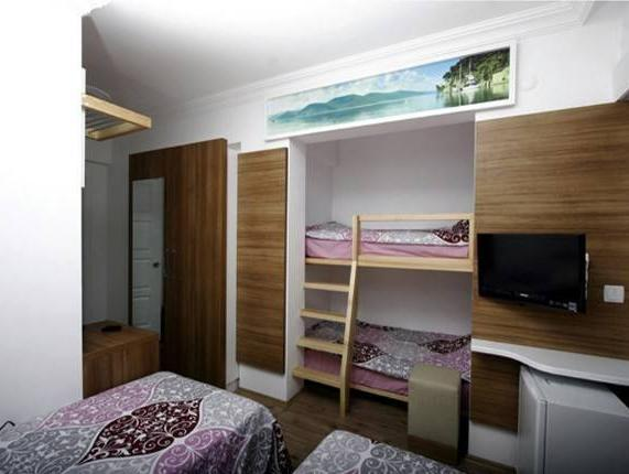 Standard Quadruple Room
