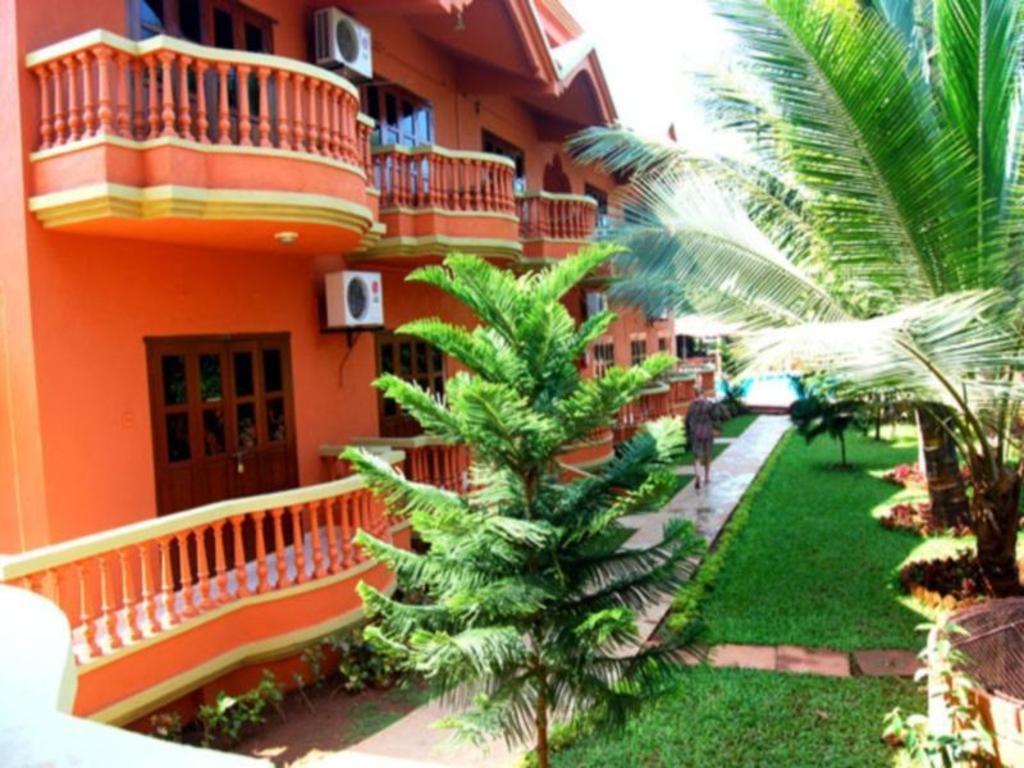 Best Price on Ruffles Beach Resort in Goa + Reviews!