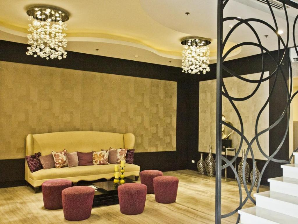 Lobby The Exchange Regency Residence Hotel Managed by HII