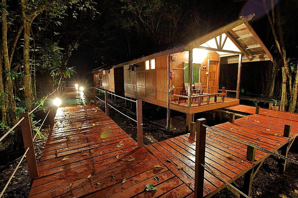 Exterior view Nature Lodge Kinabatangan