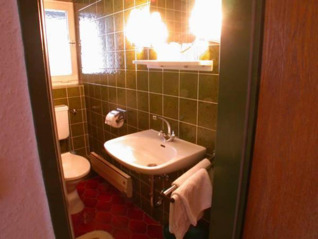 Single - Bathroom Gästehaus Kirner