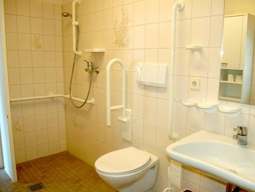 Posto Letto in Dormitorio con Bagno in Comune ( Single Bed in Dormitory Room with Shared Bathroom)