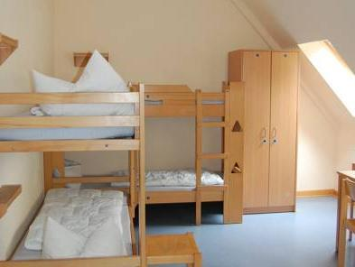 One Bed in Six-Bed Room (women only)