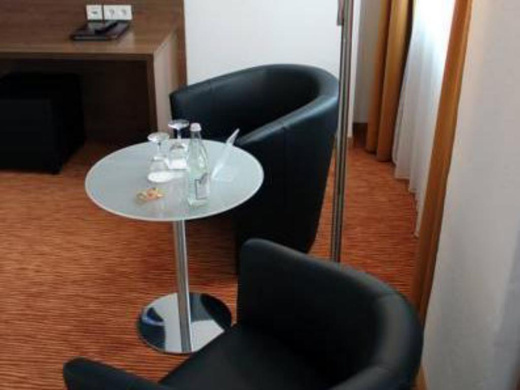 Altstadthotel Arch - Neues Haus in Regensburg - Room Deals, Photos ...