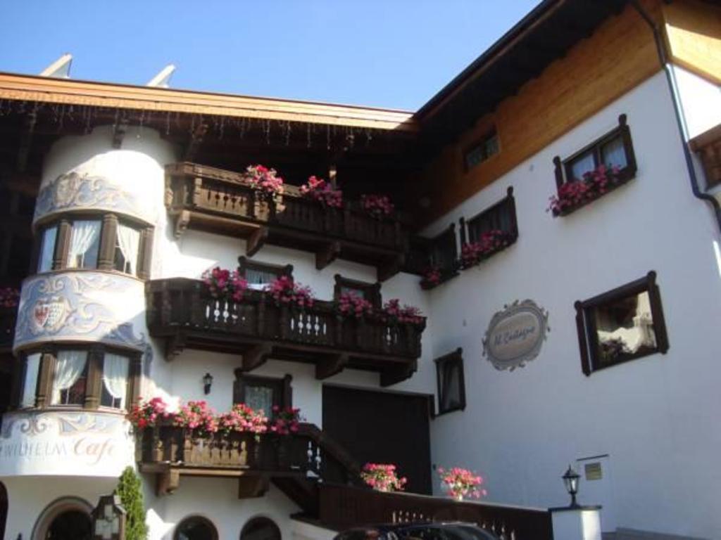 Appartements Al Castagno Apartment (Ehrwald) - Deals, Photos ...