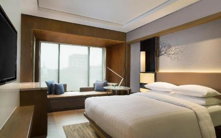 Deluxe, Guest room, 1 Queen, North Wing - Bed Courtyard Bandung Dago