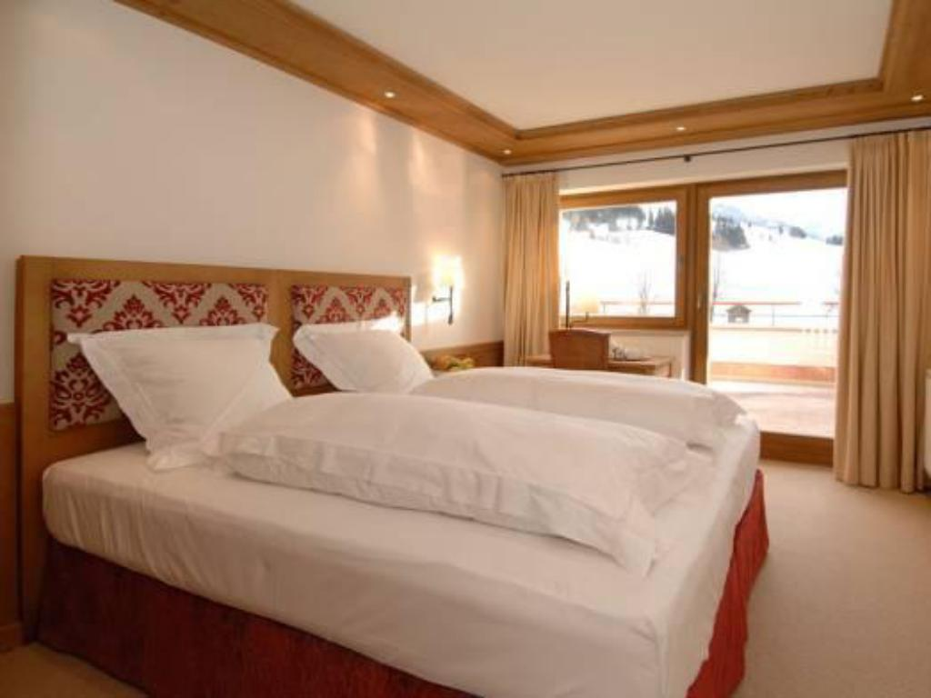 Standard Suite - Bed Chalet Panorama