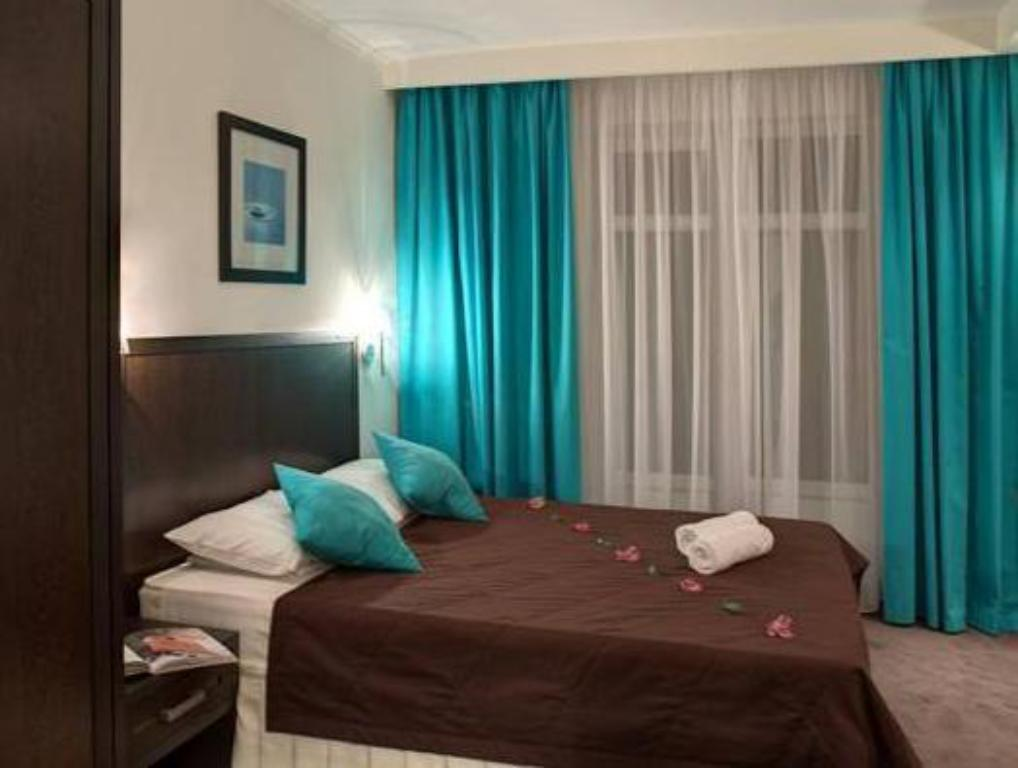 Standard (A) Double or Twin - No Balcony - Bed Blue Lagoon Hotel