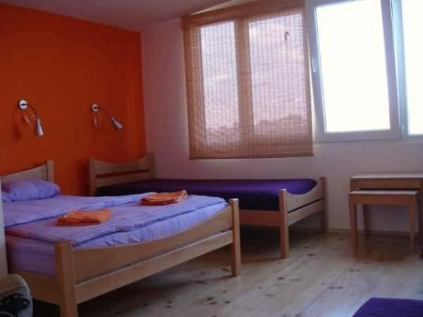 Dreibettzimmer mit eigenem Bad – Floating Friends (Triple Room with Private Bathroom - Floating Friends)