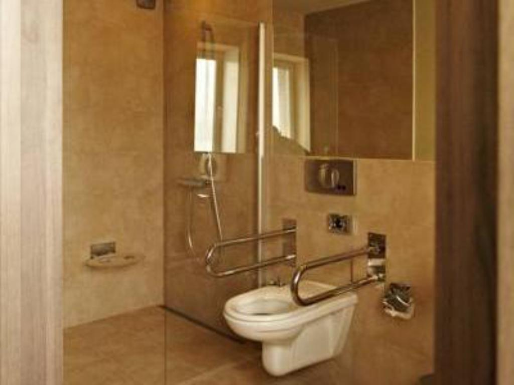 Bathroom Kongres Hotel Roca