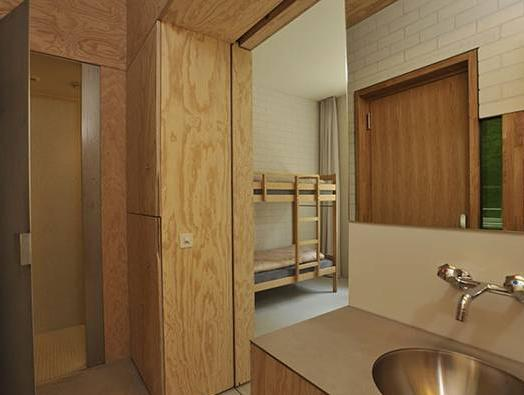 Single Bed in Quadruple Room with Shower