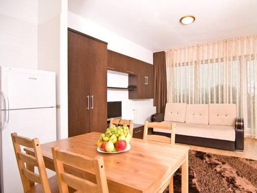 Familienapartment (4 Erwachsene + 2 Kinder) (Family Apartment (4 Adults + 2 Children))