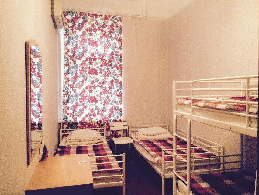 Dorm (3-4 persons, dormitory room with shared bathroom)