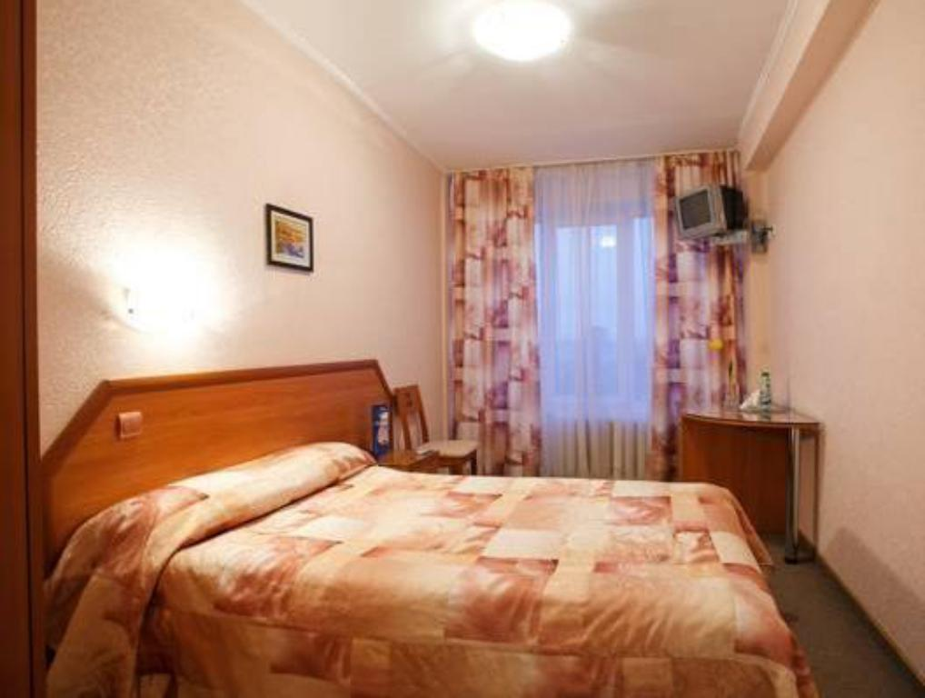 Cameră standard single - Pat Tourist Hotel