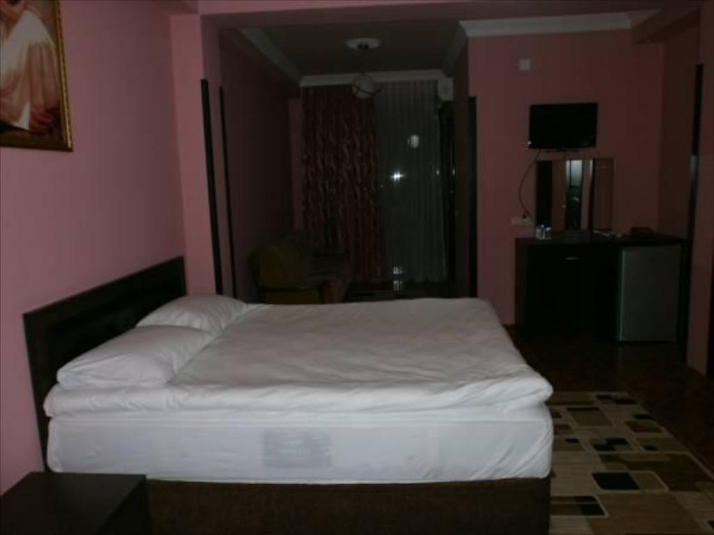 Standard Double Room - Bed Efe Hotel