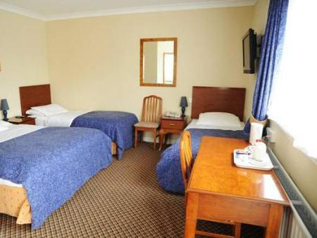 Family Room (2 Adults + 2 Children) Aisling Guest House