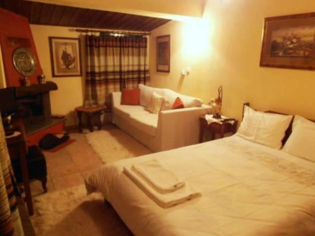 Double Room with Fireplace Guesthouse Drimos