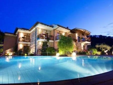 Swimming pool Nikoleta Luxury Villa